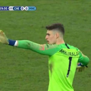 Bookie News: Kepa Puts Sarri in a Tough Position after Substitution Incident